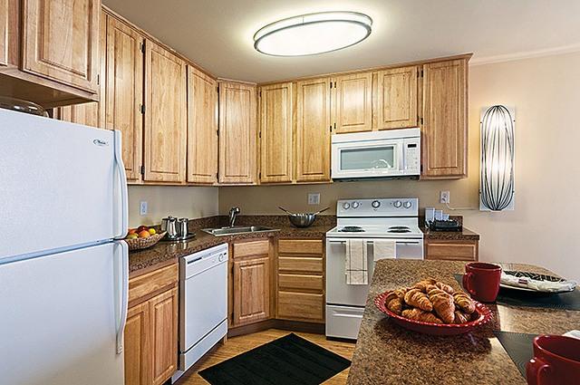 TheMetropolitanWestChester-Kitchen2.jpg