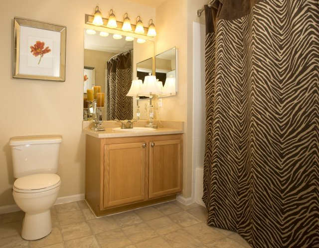 highline-bathroom1-2.jpg