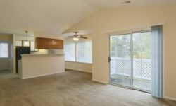 Monticello Apartments pic 5.jpg