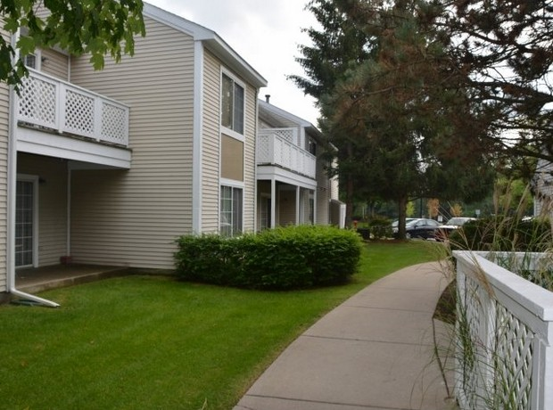 Monticello Apartments pic 7.jpg