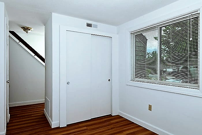 Villa Den or Family Room 2.jpg