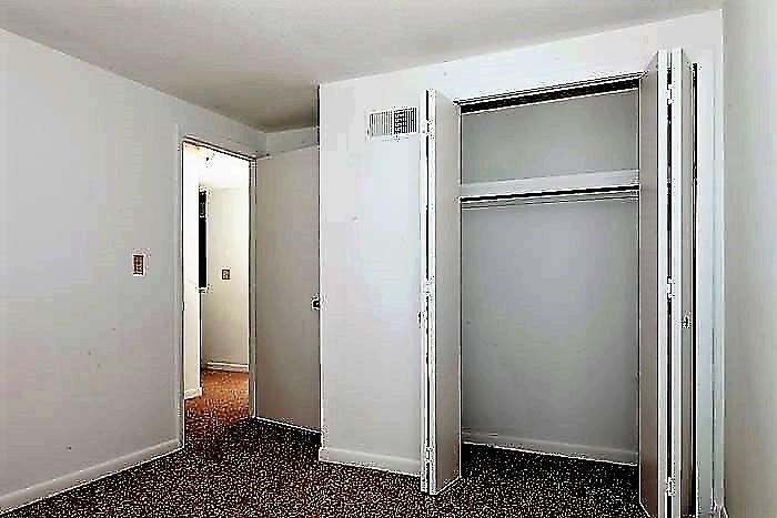 Villa bedroom 2.jpg