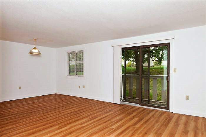 Villa living room 2.jpg