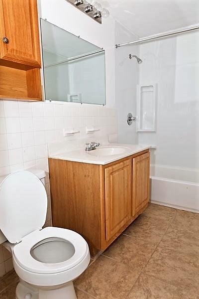 Villa master bathroom (2).jpg